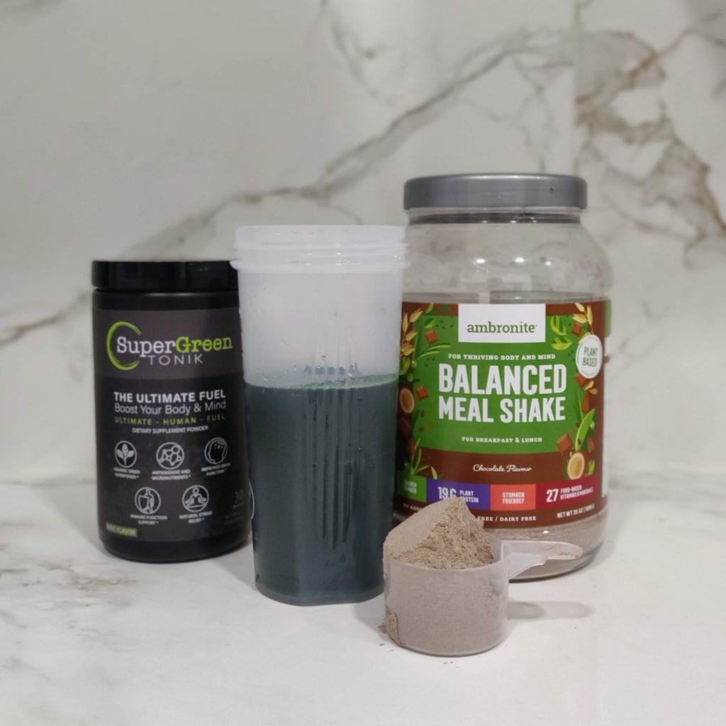 Super Green Tonik Review with meal replacement